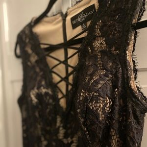 BETSY AND ADAM LACE UP BLACK DRESS